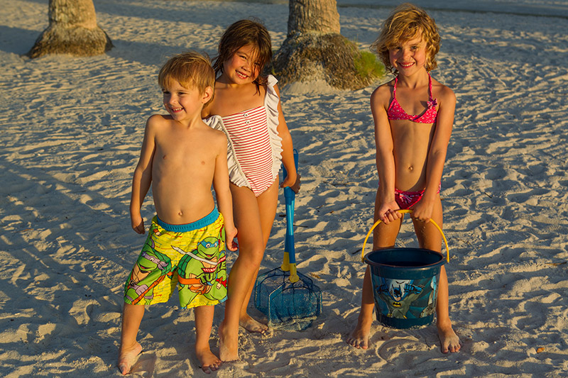 Strandhäng med familjen Celen